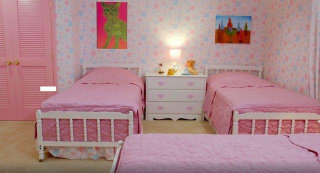 brady girls' room