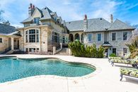 Andy Van Slyke Selling St. Louis Mansion with Batting Cage