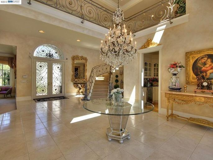 Foyer Area Q : Vince neil close to selling home sweet in danville