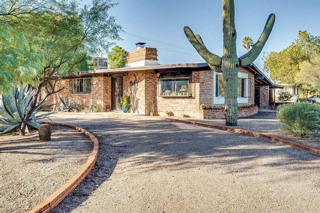 brick ranch in Tucson, AZ exterior