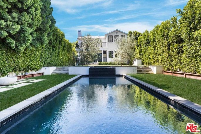 Joe Jonas' Sherman Oaks home