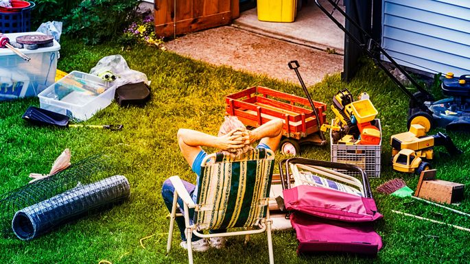 6 Ways to Tell If You're That Annoying Neighbor—and How to