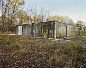 Essay in Transparency: Hudson Valley Glass House for Sale