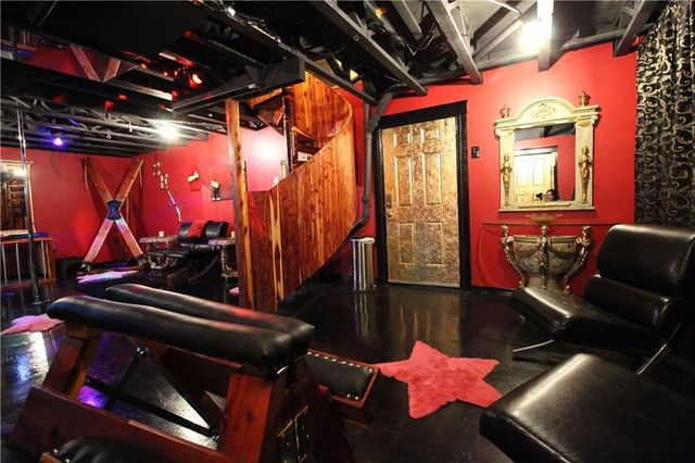 Sex dungeon Van Buren AR house