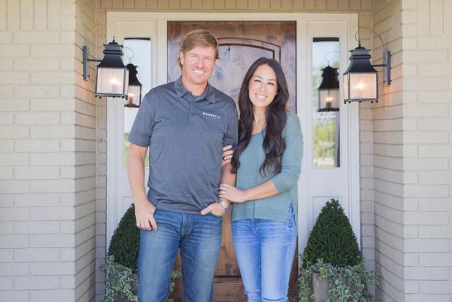 Chip and joanna gaines get a shocking phone call guess for Chip and joanna gaines houses for sale