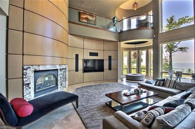 Living room with walls of glass