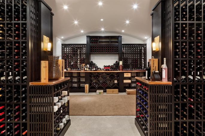 Wine cellar and tasting room