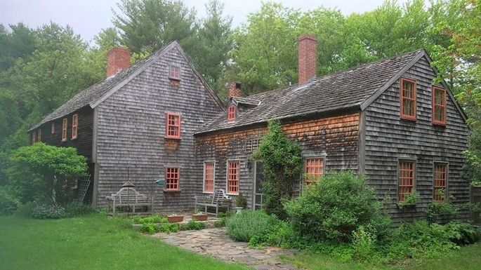 Built in 1694 this may be oldest house for sale in the for Unique homes for sale massachusetts