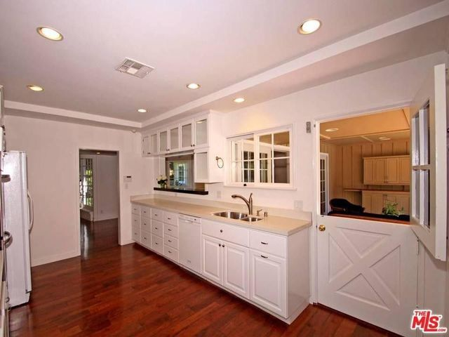 Kitchen with Dutch door