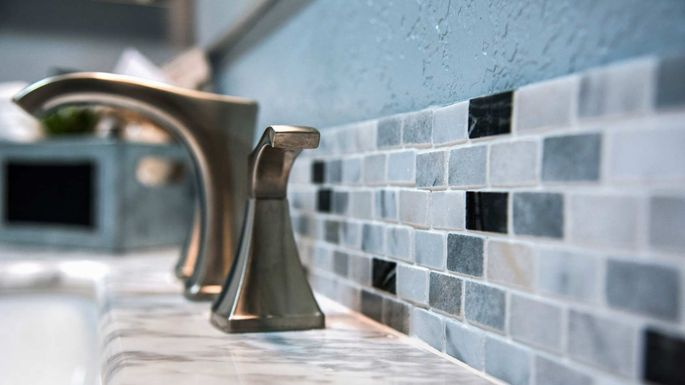 bathroom-tile-faucet