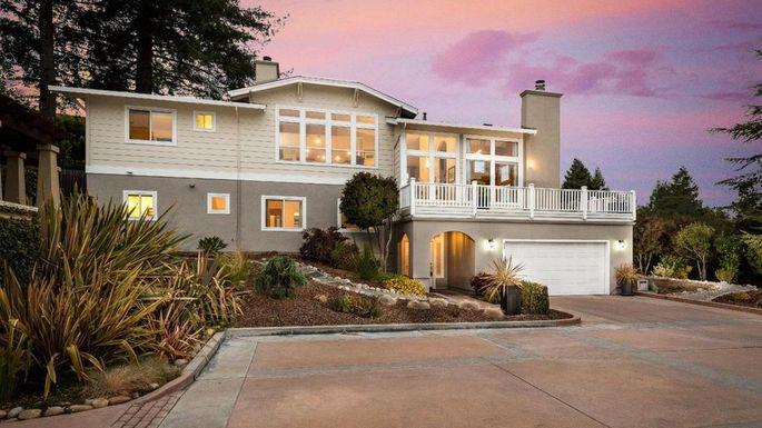 Santa Cruz three-bedroom home.