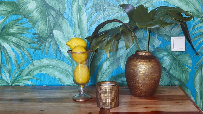 Tropical Decor Is In 4 Tips To Incorporate The Trend Realtor Com