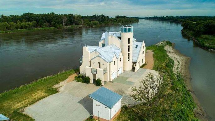 Right On The River Nebraska Castle Offers Unparalleled Views Realtor Com