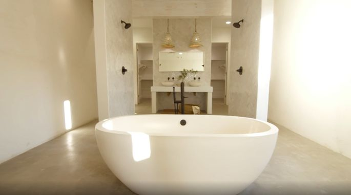 Leanne Ford wins this week's challenge with her stunning bathroom design.