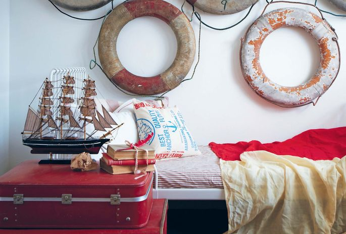 A nautical-themed guest bedroom