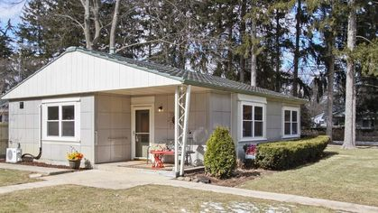 Last Lustron Ever Built? A Piece of Housing History on the Market for $125K
