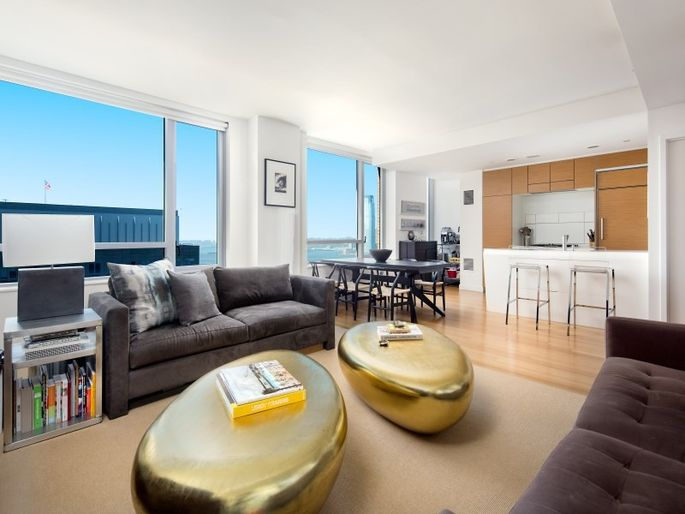 It 39 s easy to be green in these 7 eco friendly luxury homes for 10 river terrace nyc