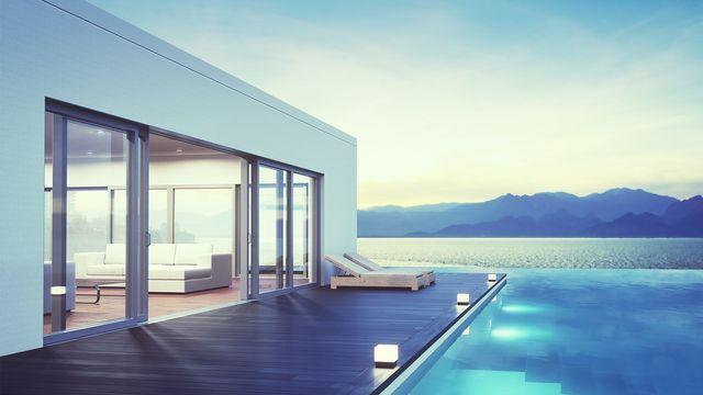 modern-luxury-pool