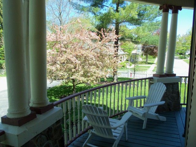 groundhog-day-bed-and-breakfast-movie-5
