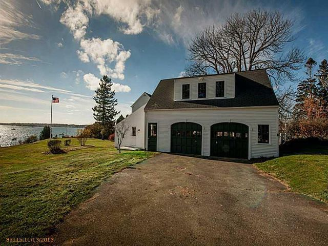 daryl-hall-of-hall-oates-selling-restored-colonial-in-maine-1