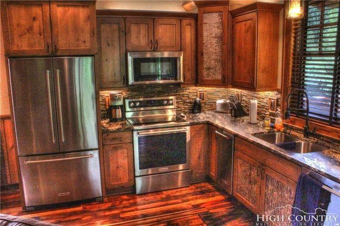 Kitchen with poplar cabinets