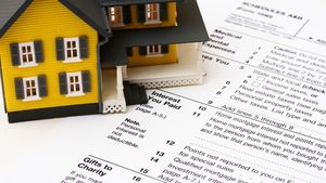 Don't Panic! 3 Money-Saving, Last-Minute Tax Tips for Homeowners