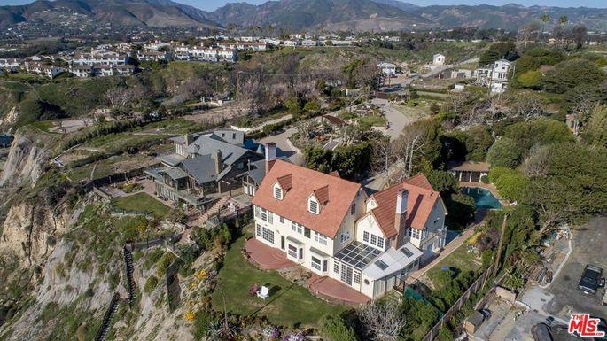 Anthony Hopkins' cliffside home
