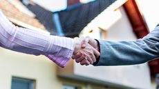 What Is an Arm's Length Transaction? Fair and Square Real Estate Sales