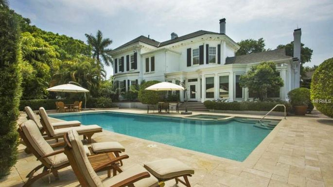 Tampa 39 s most expensive home is a 13 9m bayside paradise for Expensive homes in florida