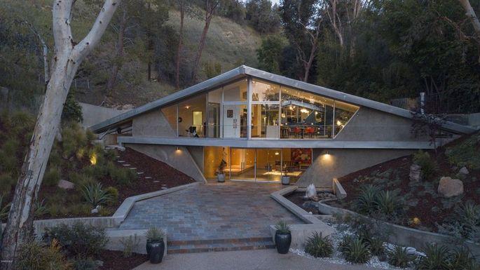 Triangle House in Tarzana, CA
