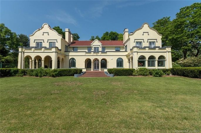 This Southport, CT, home is one of only two Cape Dutch–style homes for sale in the United States.