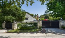 Kelsey Grammer Keeps Flip, Flip, Flippin' Homes; Lists in Bel Air (PHOTOS)