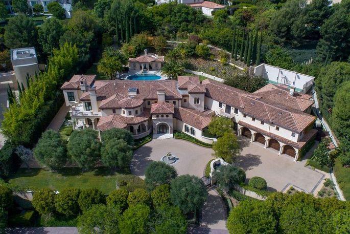 Barry Bonds' former Beverly Hills estate