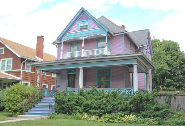 A Victorian In Pink And Blue Oak Park Il