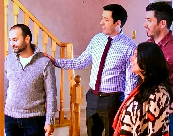 The Property Brothers encourage this couple not to be put off by pink, as paint is easy to change.