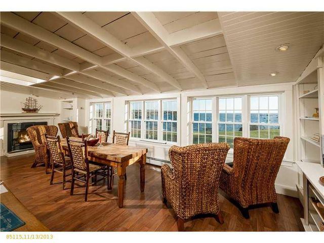 daryl-hall-of-hall-oates-selling-restored-colonial-in-maine-14