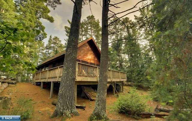 Ely MN private island cabin exterior