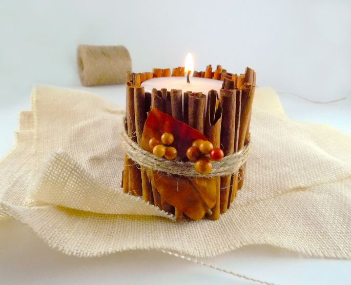 Cinnamon sticks are the perfect size for wrapping around apillar.