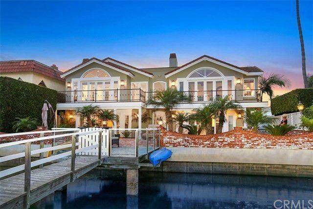 5 4 Million Waterfront Home On Newport Island