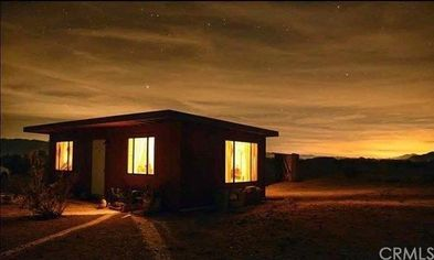 A Speck of an Oasis: This Tiny House in the Desert