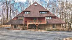 Fixer-Upper With an Egyptian Twist: Peer Into the Pyramid House in Pennsylvania