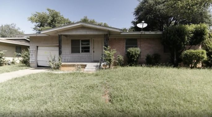 Andy and Ashley Williams thought this home looked abandoned.