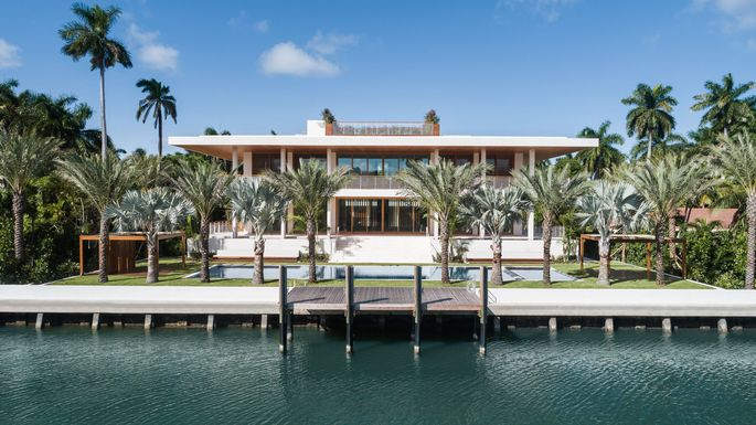 "Miami Beach ""house of the future"""