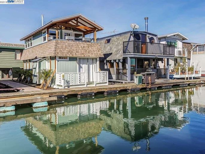 Homes That Float: Why Living on the Water Is Making a Big Splash