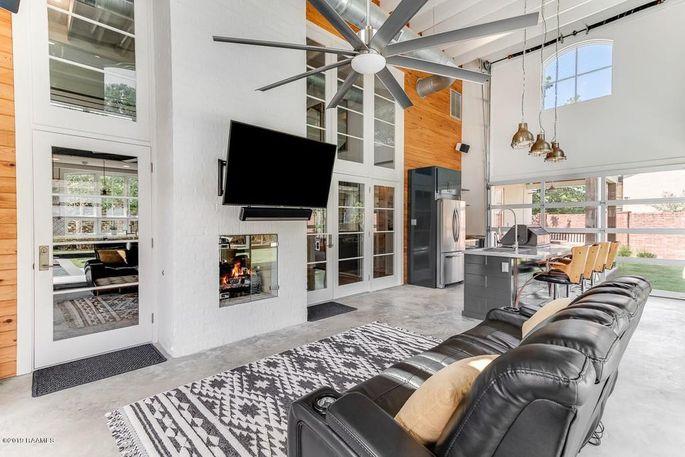 A home for sale in Lafayette, LA