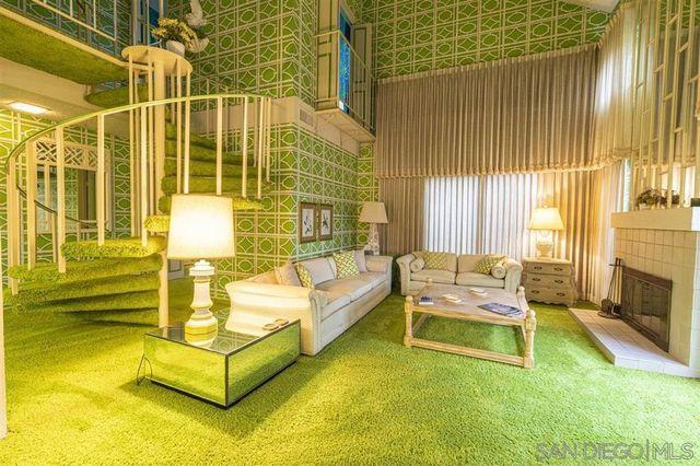 Ramona, CA green retro condo family room