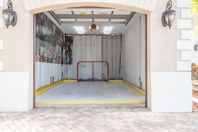Garage with mini rink