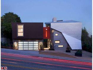 Modern Urban Villa by Architect Patrick Tighe