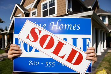 Housing Industry Riding on the Coattails of Surging Job Market