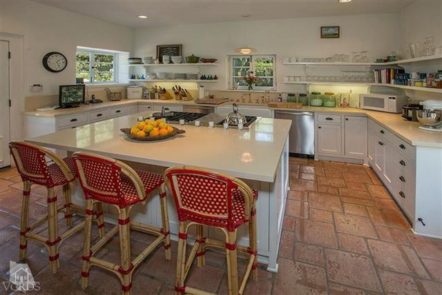reese-witherspoon-sells-ojai-ranch-11